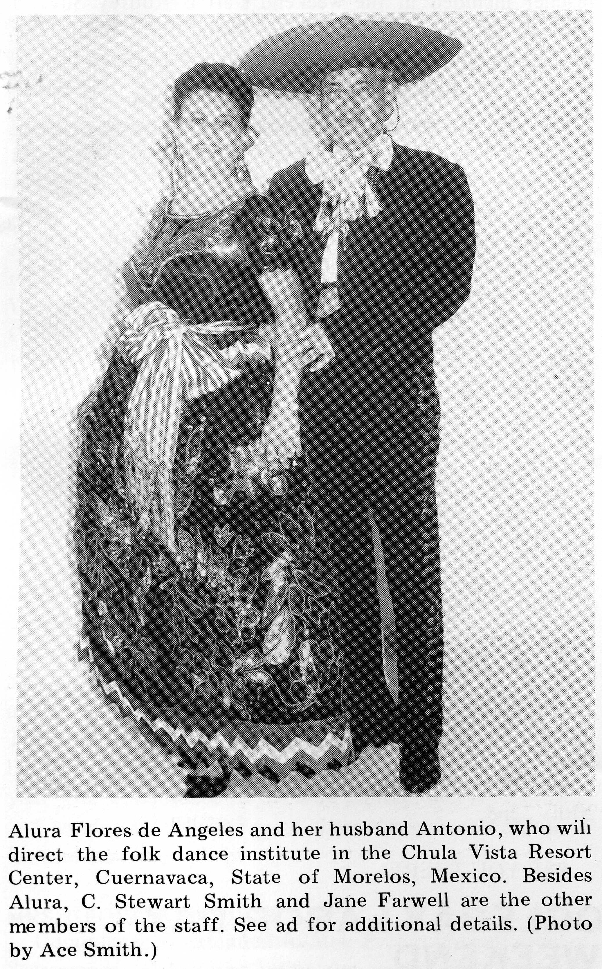 Alura and Antonio as the china poblana and charro